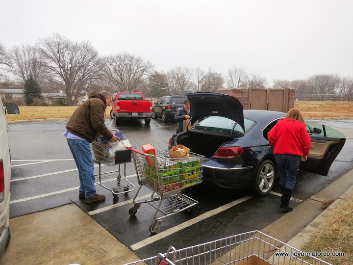 What Does Working At A Food Pantry Tach You