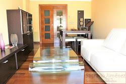 Piso de tres dormitorios en alquiler en el Bulevar del Papagayo, garaje. 1.050€