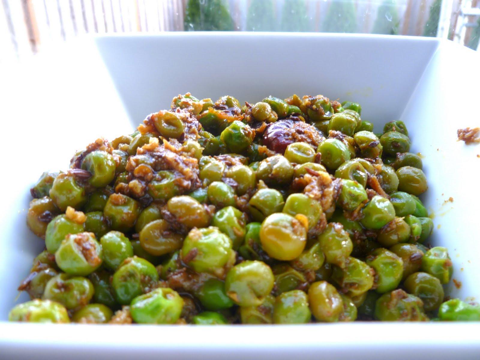 Nisha's Kitchen: Matar ki chaat / Sweat Pea stir fry