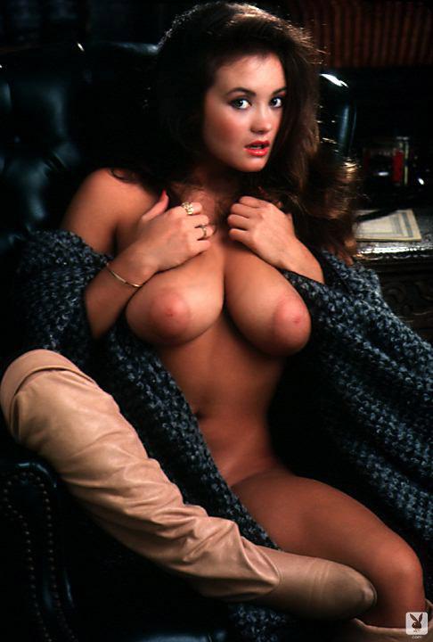 Alana Soares Nude 17