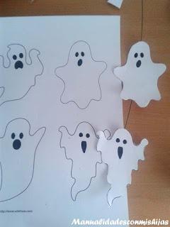 Manualidades infantiles: Fantasmas con sello lapiz