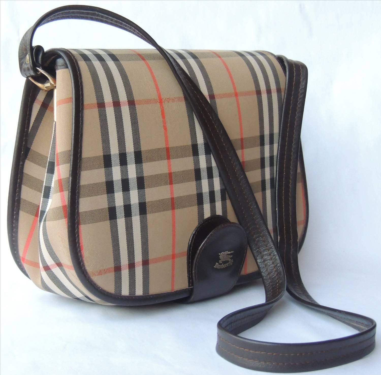 c353c7aae11b Janji Laku  Vintage BURBERRY Shoulder   Cross Body   Sling Bag