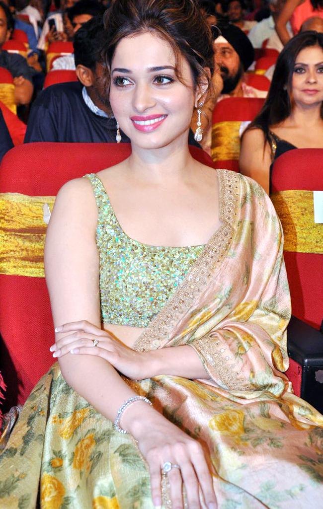 Tamanna Latest Stills At Tsr Tv9 National Film Awards 2015