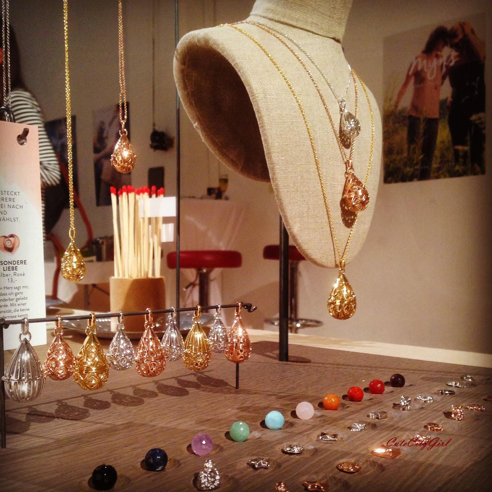 http://cutecitygirl.blogspot.co.at/2014/12/myns-by-xenox-jewellery.html
