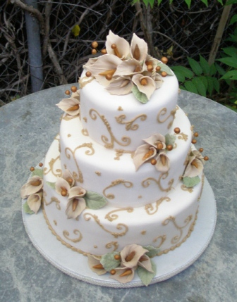 upside down wedding cake Champagne Sugar Calla Lily cake