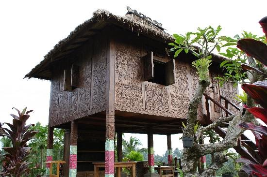 The Wisdom of Traditional Architecture in Indonesia