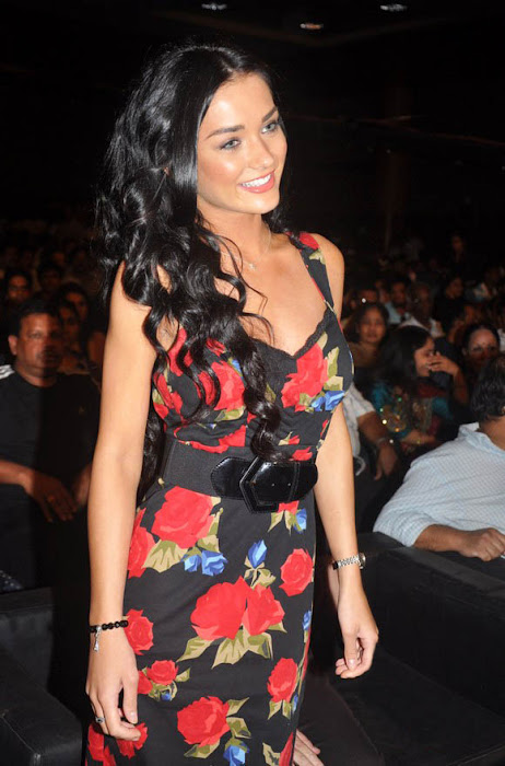 amy jackson at deiva thirumagan movie audio launch