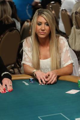 sexy poker women 640 19 [Gambar] Pemain Poker Wanita Yang Cantik Dan Seksi
