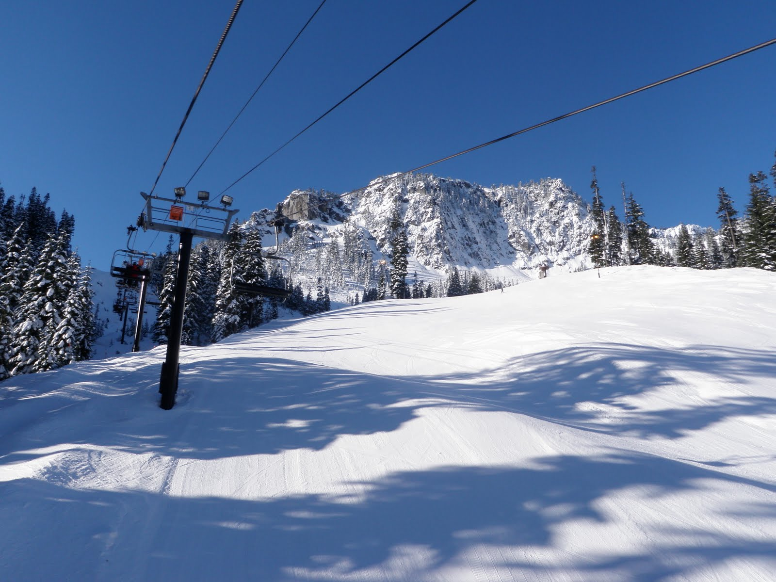 pacific northwest seasons: skiing snoqualmie pass: it's not always