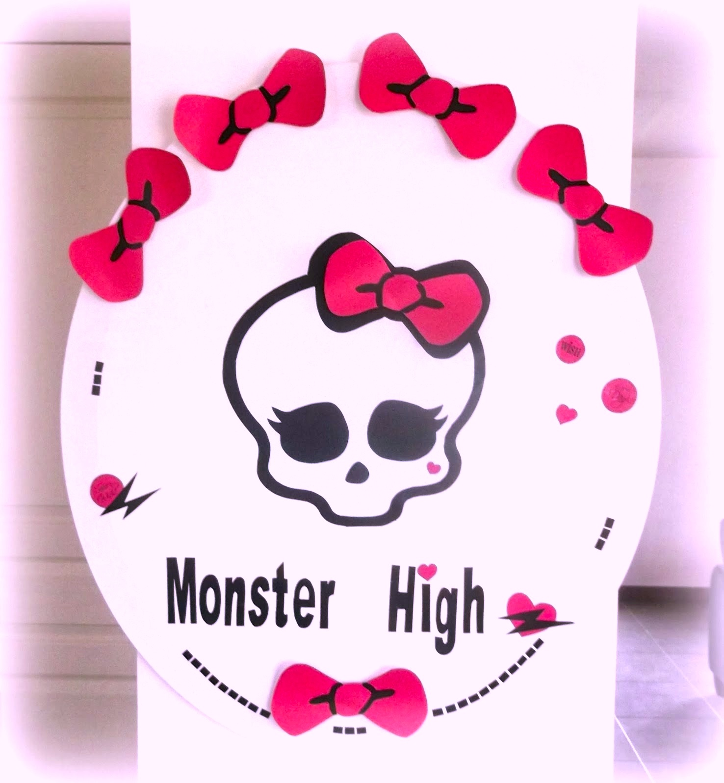 SRM Stickers Blog - Vinyl Party Game by Angélique - #vinyl #stickers #party #game #Monster High