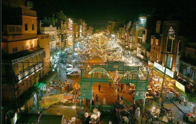 Anarkali bazaar a story of fallen splendour for Bano bazar anarkali lahore