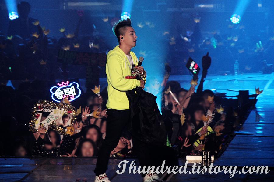 http://1.bp.blogspot.com/-yDxVP3yBoTc/Ttzh_mXnj_I/AAAAAAAANZ0/pWaIhNFQHp8/s1600/Taeyang_002.jpg