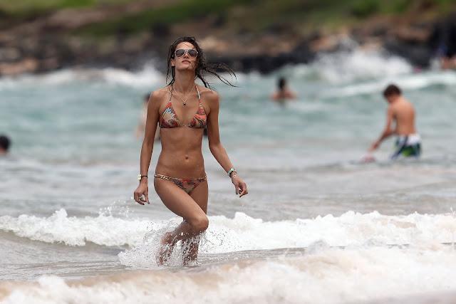 Alessandra Ambrosio Bikini