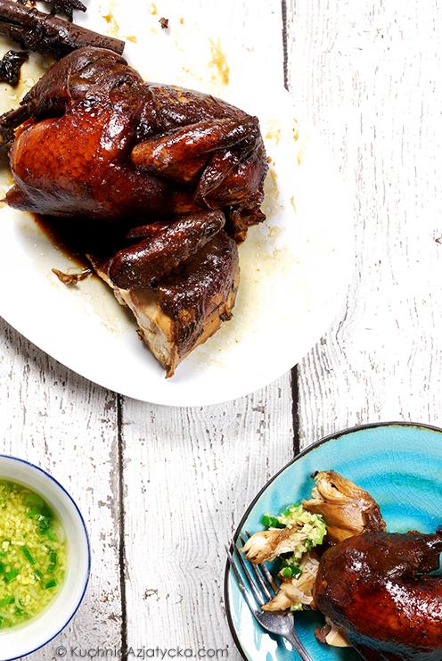 Kurczak duszony w sosie sojowym © KuchniaAzjatycka.com