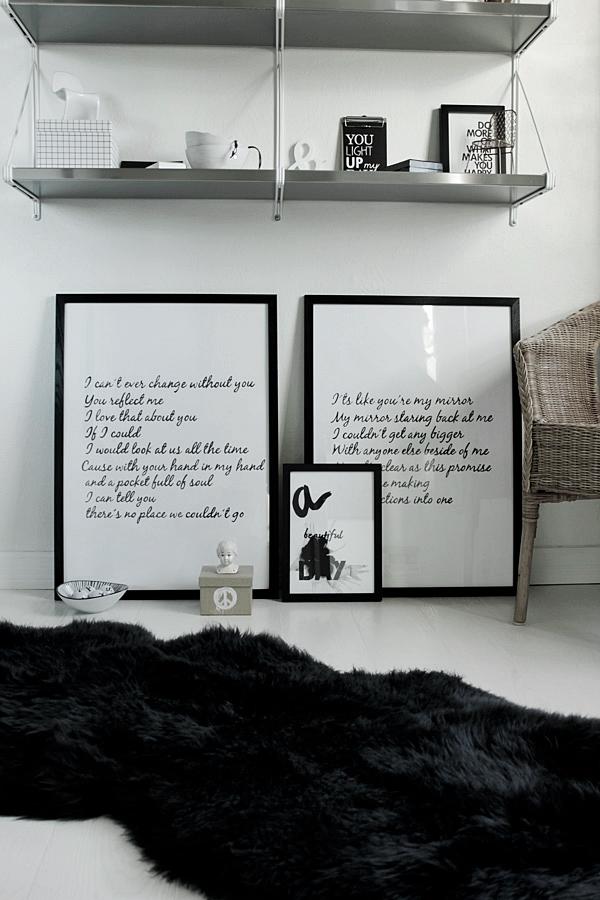 handmålade tavlor med text, posters med text, låttext på tavla, svart och vit tavla, texter på prints, artprints, posters, tips tavlor