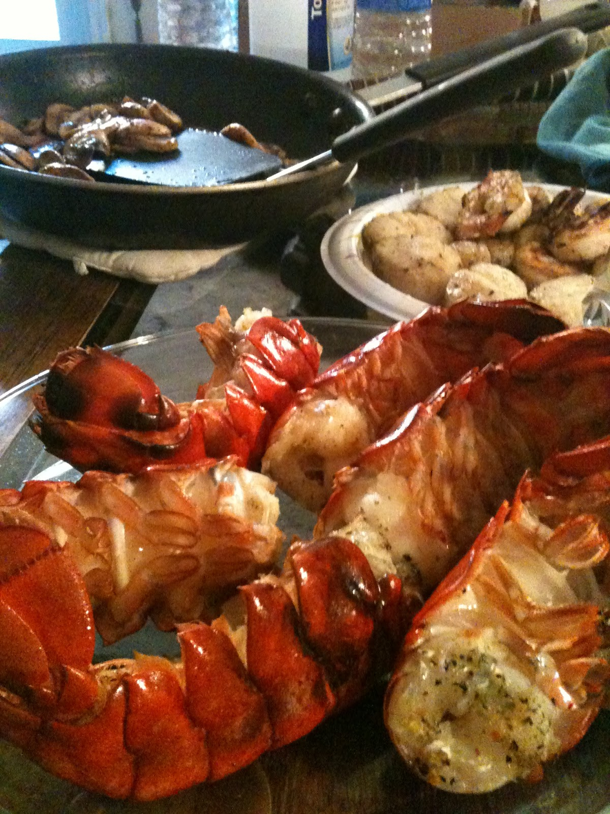 Bad Girl BBQ ~ From the dangerous kitchen of Tré Taylor : New England Lobster in South City San ...