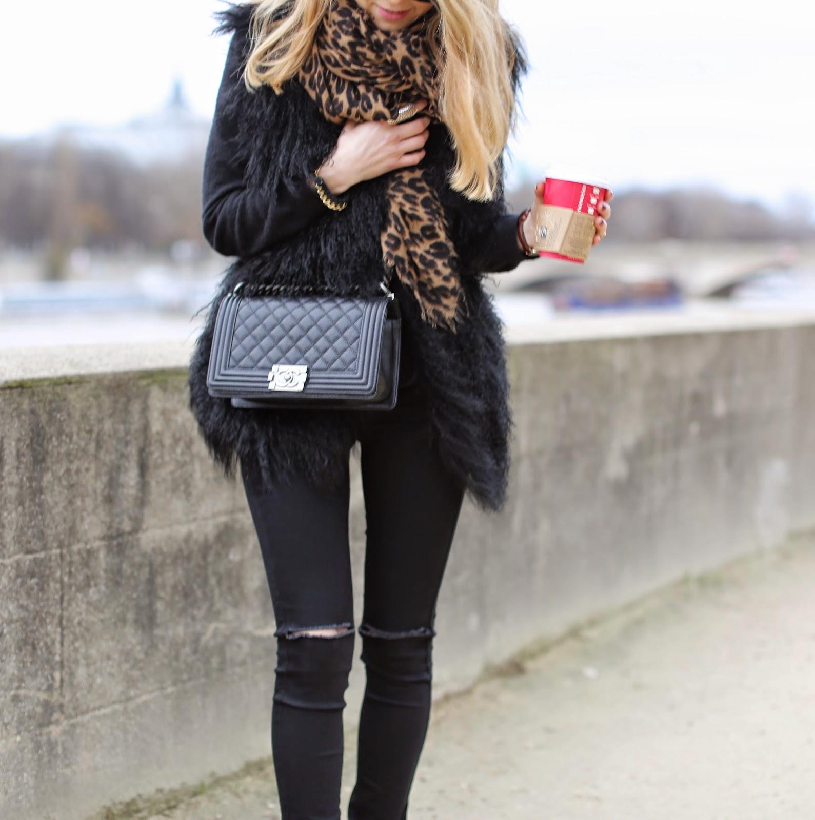 all black, fur, leopard, zadig et voltaire, Louis vuitton, céline, chanel oasis, ripped jeans, paris, streetstyle