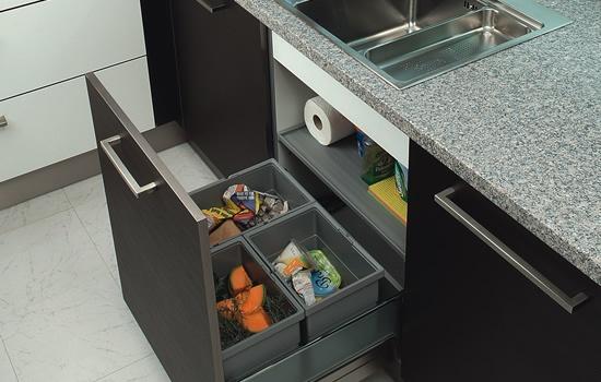Ideas para guardar los residuos en la cocina - Cubos de basura extraibles ...