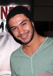 Biodata Reza Rahardian Pemain Sinetron Di Bawah Lindungan Abah