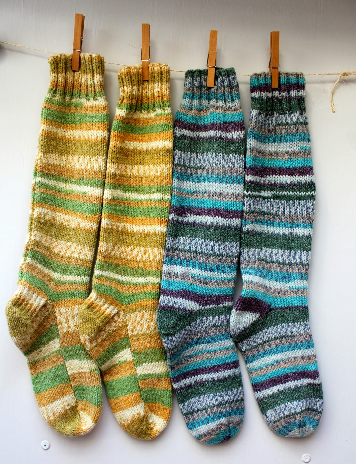 Free Two Needle Sock Knitting Patterns : Hand Knitted Things: Sirdar Crofter DK Socks on Straight Needles