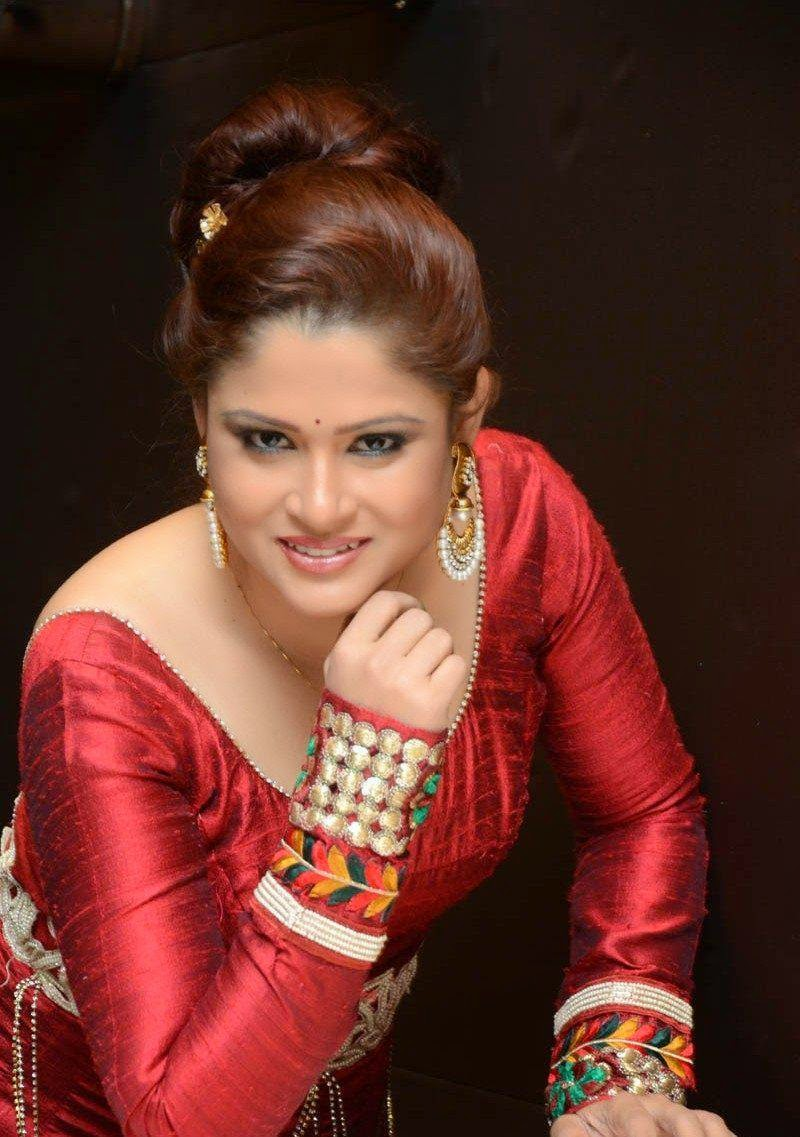 TV Anchor Shilpa Chakravarthy New Photos Red Dresses