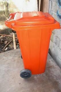Tong Sampah Beroda