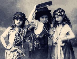 niñas disfrazadas vintage