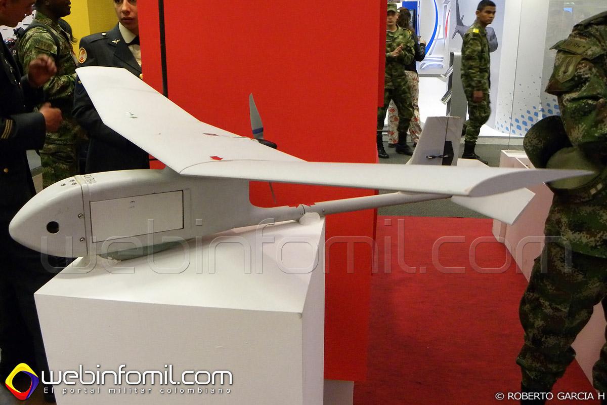 Avión no tripulado RQ-11B Raven del Ejército Nacional de Colombia.