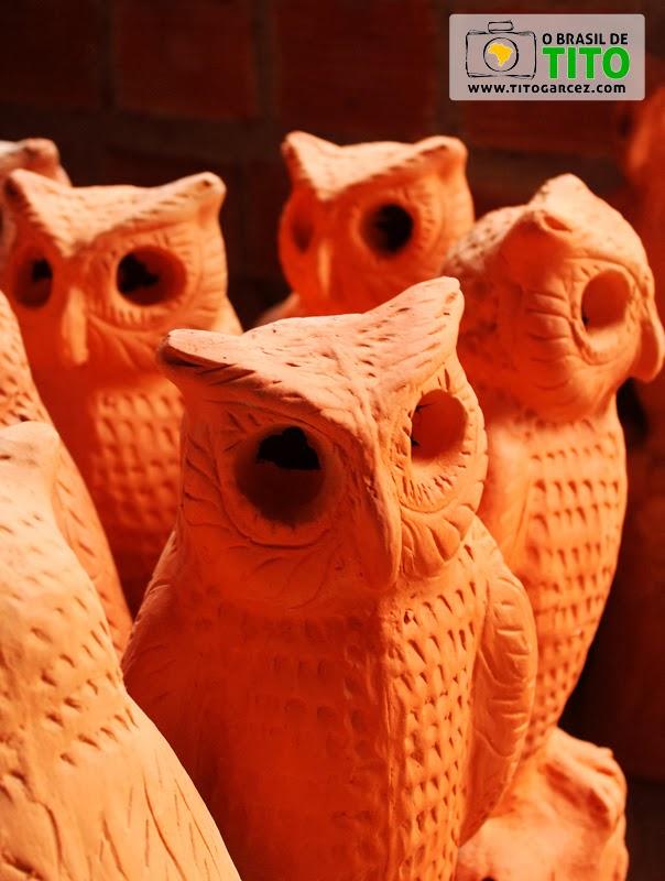 Corujas em cerâmica produzidas em Santana do São Francisco, antiga Carrapicho, em Sergipe