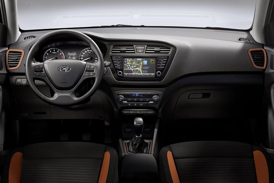 Hyundai i20 Coupe (2015) Dashboard