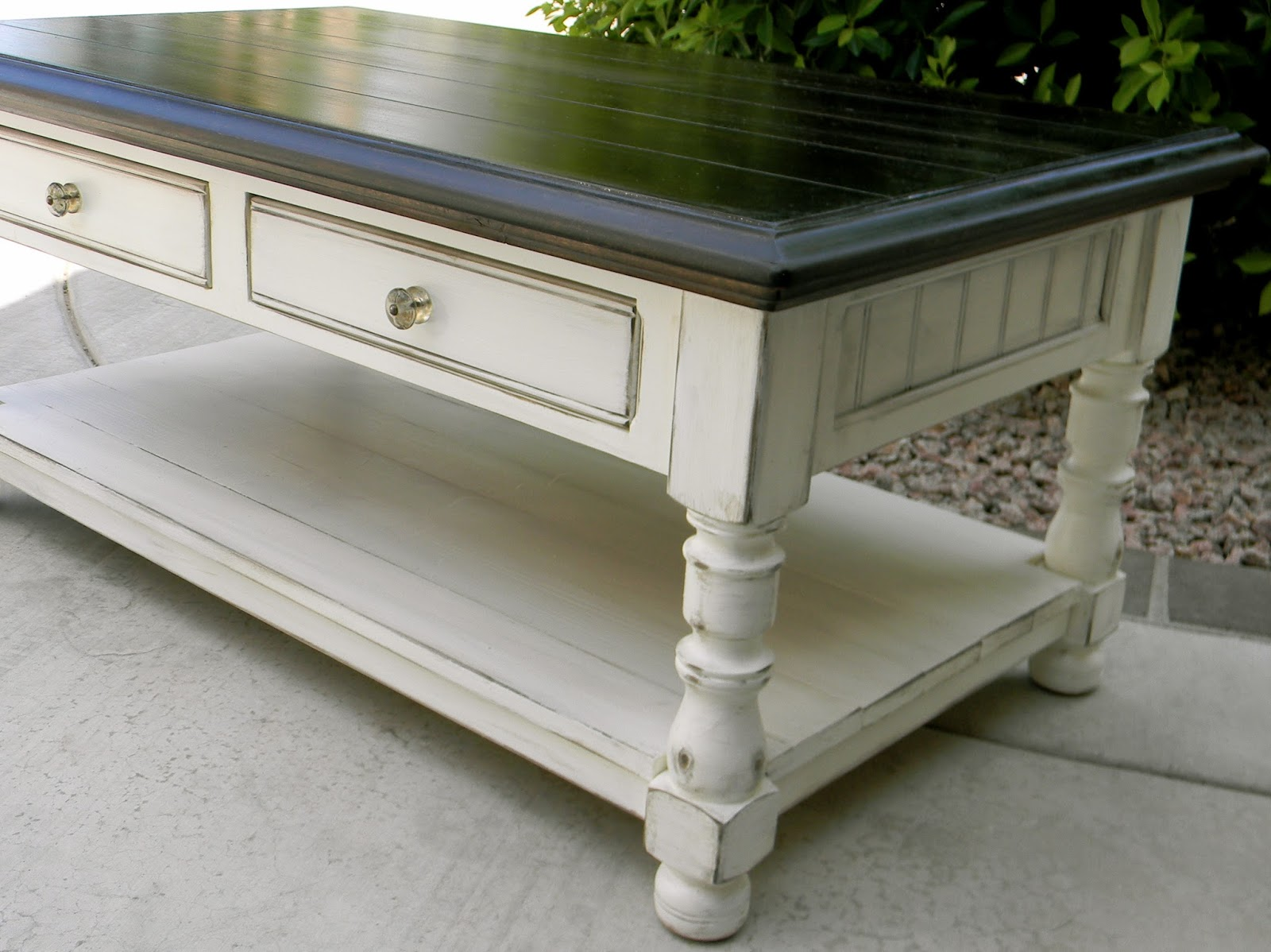 Little bit of paint refinished coffee table refinished coffee table geotapseo Choice Image