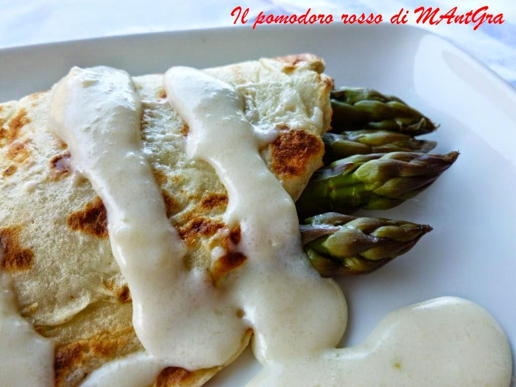 crêpes agli asparagi e crema di parmigiano reggiano