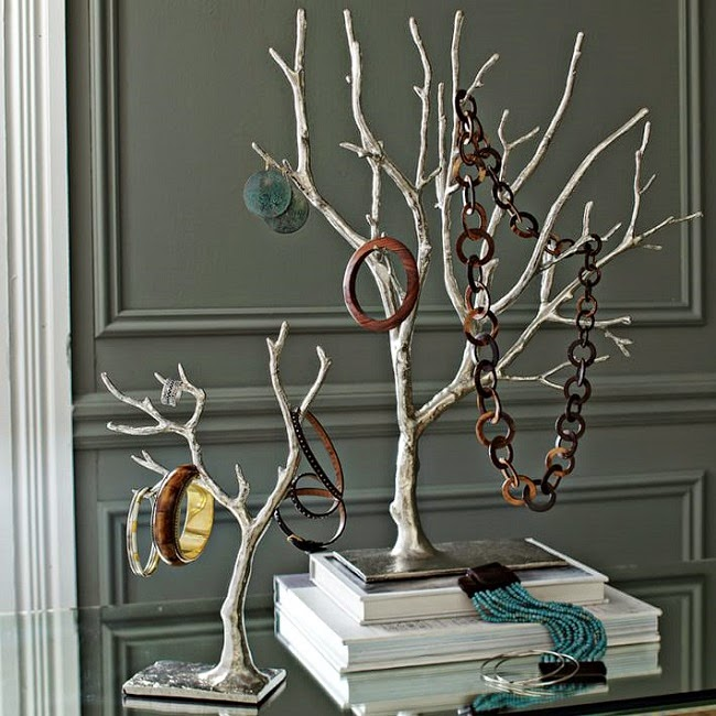 http://www.westelm.com/products/9244526/?catalogId=57&sku=9244526&bnrid=3920201&cm_ven=MSN_PLA&cm_cat=Bing%20Shopping&cm_pla=Jewelry_Display_Boxes&cm_ite=AllProducts&srccode=cii_328768002&cpncode=44-25022476-2#viewLargerHeroOverlay