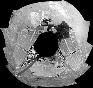 Imagen panorámica de Opportunity creada a partir de fotografías obtenidas justo antes que empezara la conjunción