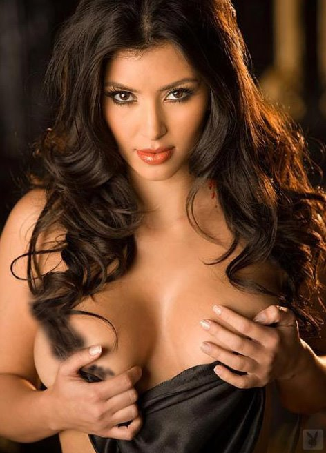 http://1.bp.blogspot.com/-yFbTqKpBc-o/TscQl83RfsI/AAAAAAAAPxs/F9bOa0wYs_o/s1600/Kim+Kardashian+%25282%2529.jpg