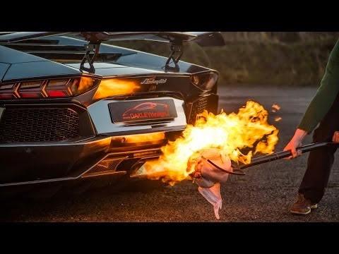 Xrhsimopoiei-thn-Lamborghini-na-pshsei-galopoyla-to-Xristougennwn