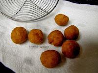 9 Bread Gulab Jamun