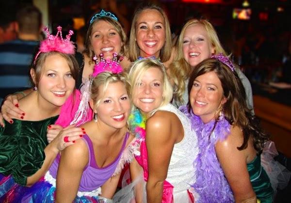 Wieczór panieński za granicą – czym różni się bachelorette party od bridal shower?