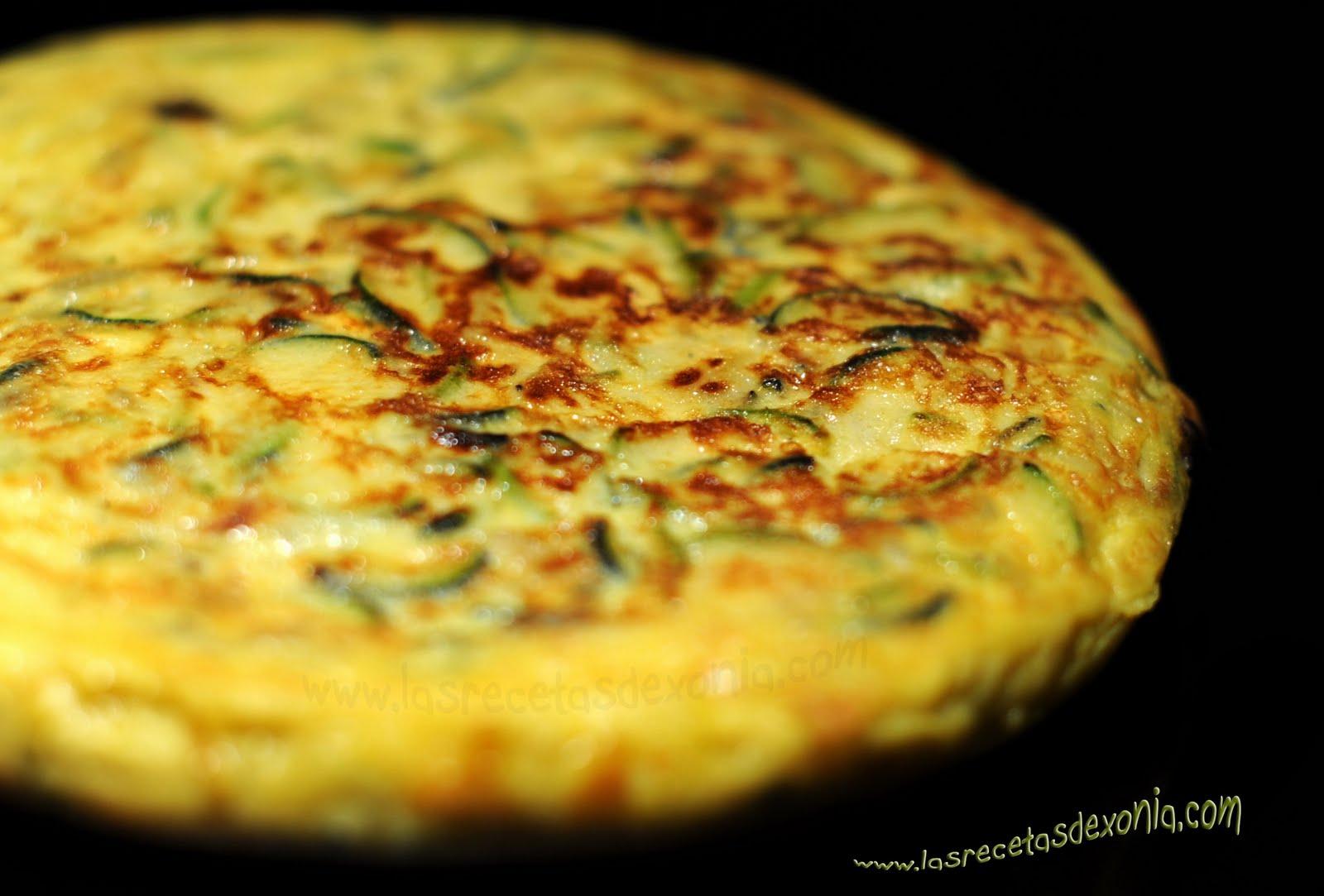 Tortilla de calabacin las recetas de xonia - Tortilla de calabacin y cebolla ...