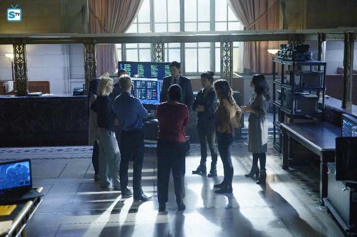 """Quantico - Quantico - Review, Theories, Final Guesses and Poll: """"Who is the bomber?"""""""