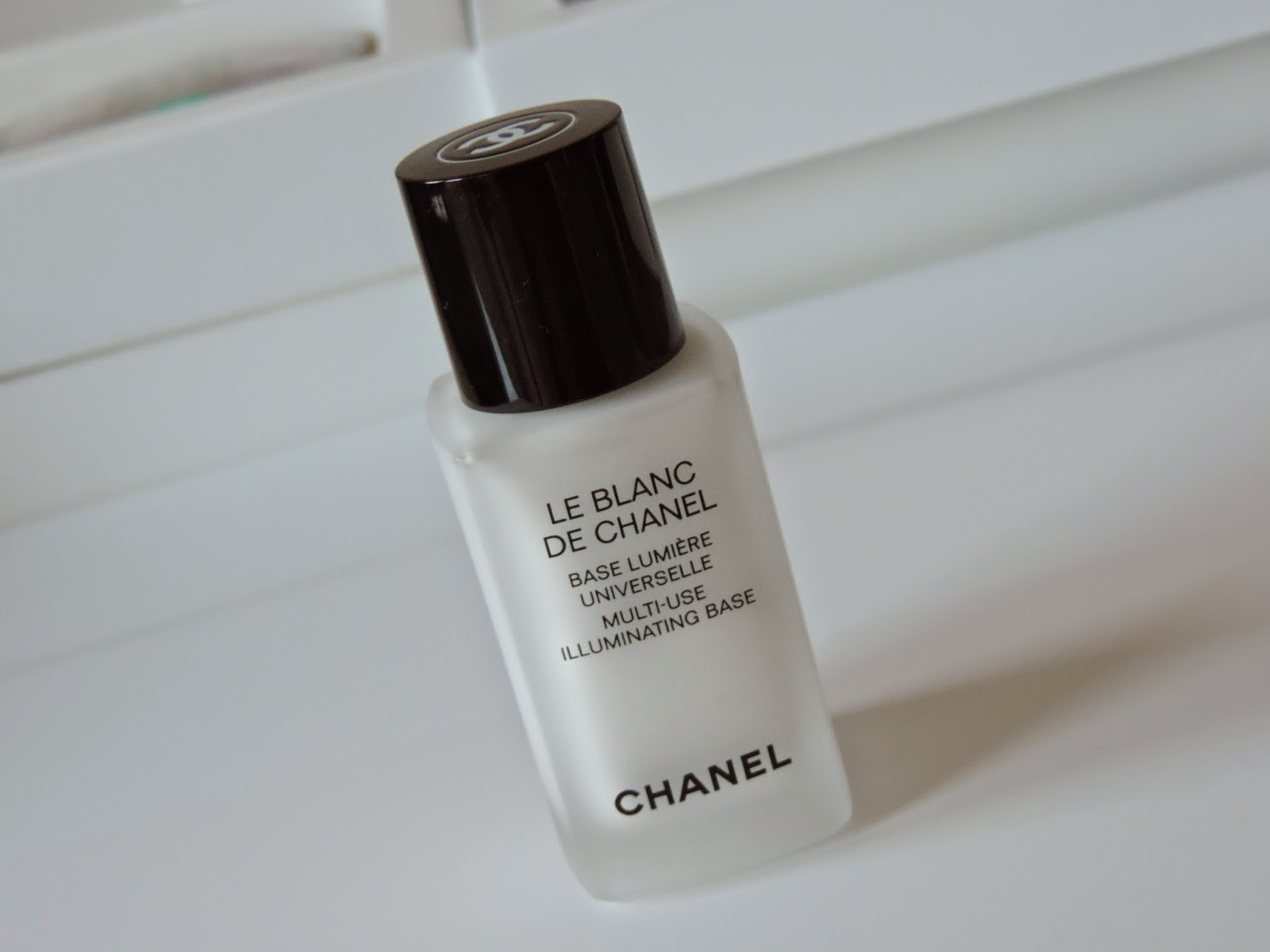 Le Blanc De Chanel Multi Use Illuminating Base