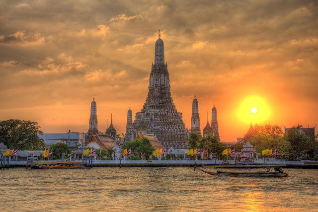 ve may bay gia re di bangkok Wat Arun
