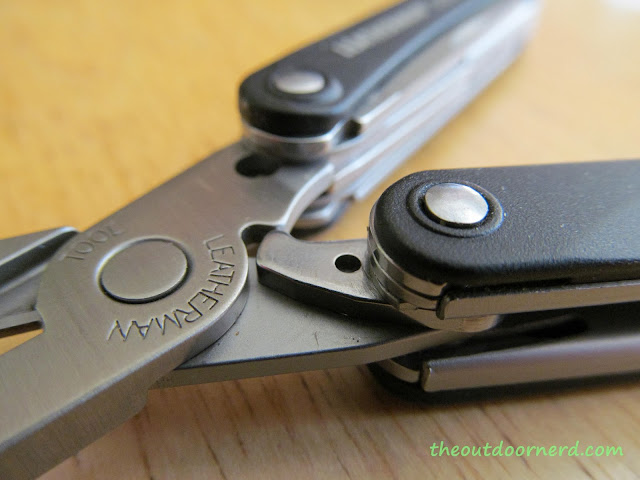 Leatherman Squirt PS4 Multi-Tool: Closeup Of Pliers Spring