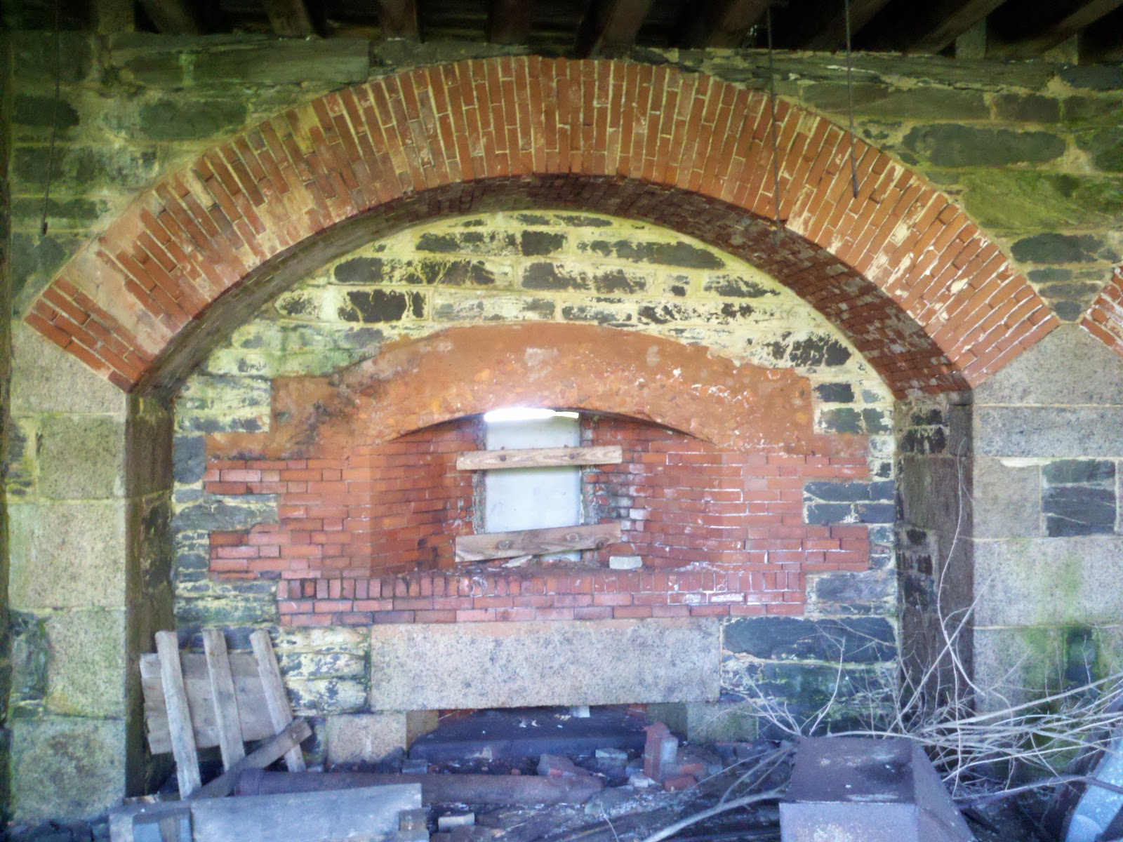 pcls n v i u brick concrete arch fort adams ri