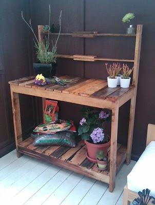 Muebles de palets 03 13 13 for Mueble para plantas exterior