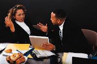 Las críticas injustas son muchas veces cumplidos disfrazados...