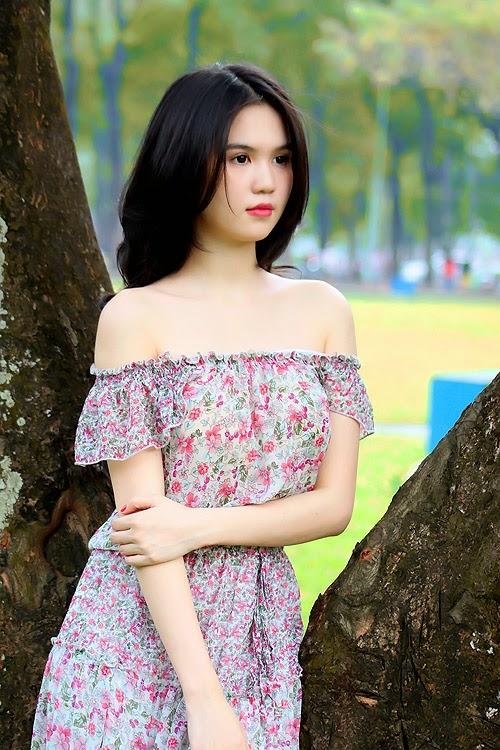 The sunny summer of Ngoc Trinh Vietnamese model