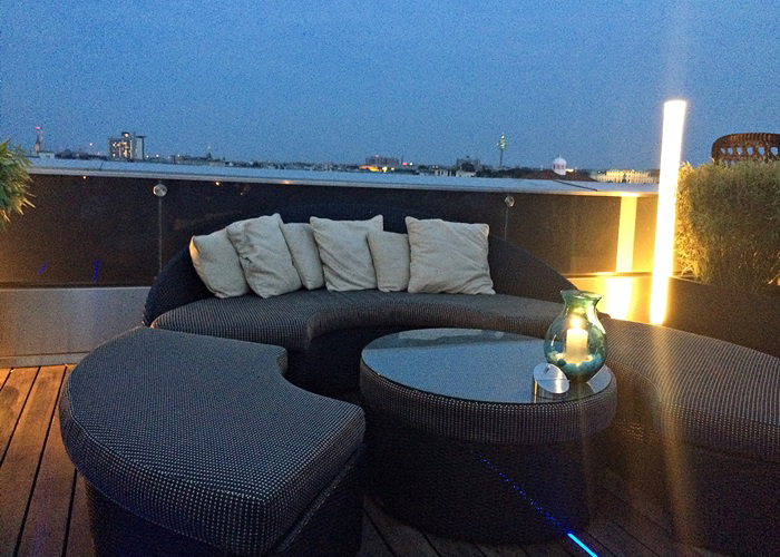 lovely places :: Atmosphere Rooftop Bar im Ritz Carlton Hotel