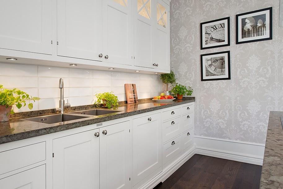 Decoraci n f cil una cocina con una mezcla de revestimientos - Revestimientos cocinas modernas ...