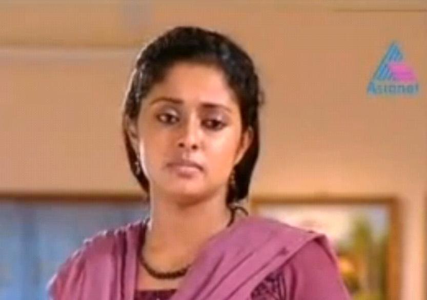 Kumkumapoovu Serial Actress